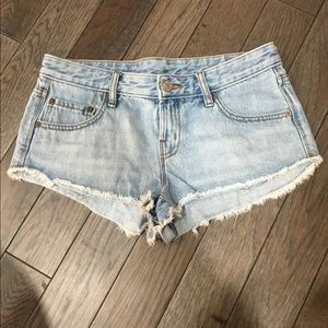 Urban Outfitters BDG Jean Shorts Cut off , 25 raw